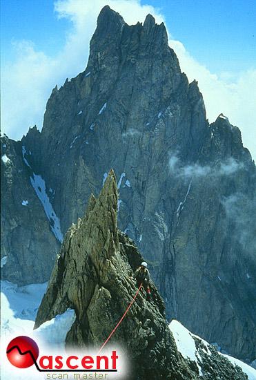 Monte Bianco, Crestadell'Innominata